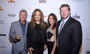 (l to r) E&B supporter actor John Savage, Catherine Bach, Julie Sherman and E&B Board member and Event Co-Chair Aaron Straussner.